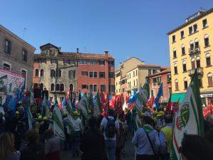 filcams_6maggio_piazza2